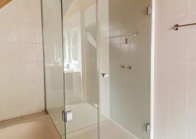duschsystem mit verkuerzten seitenteil