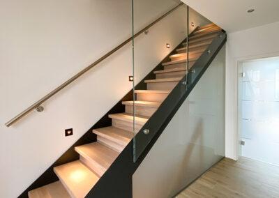 treppengelaender und kellertrennwand